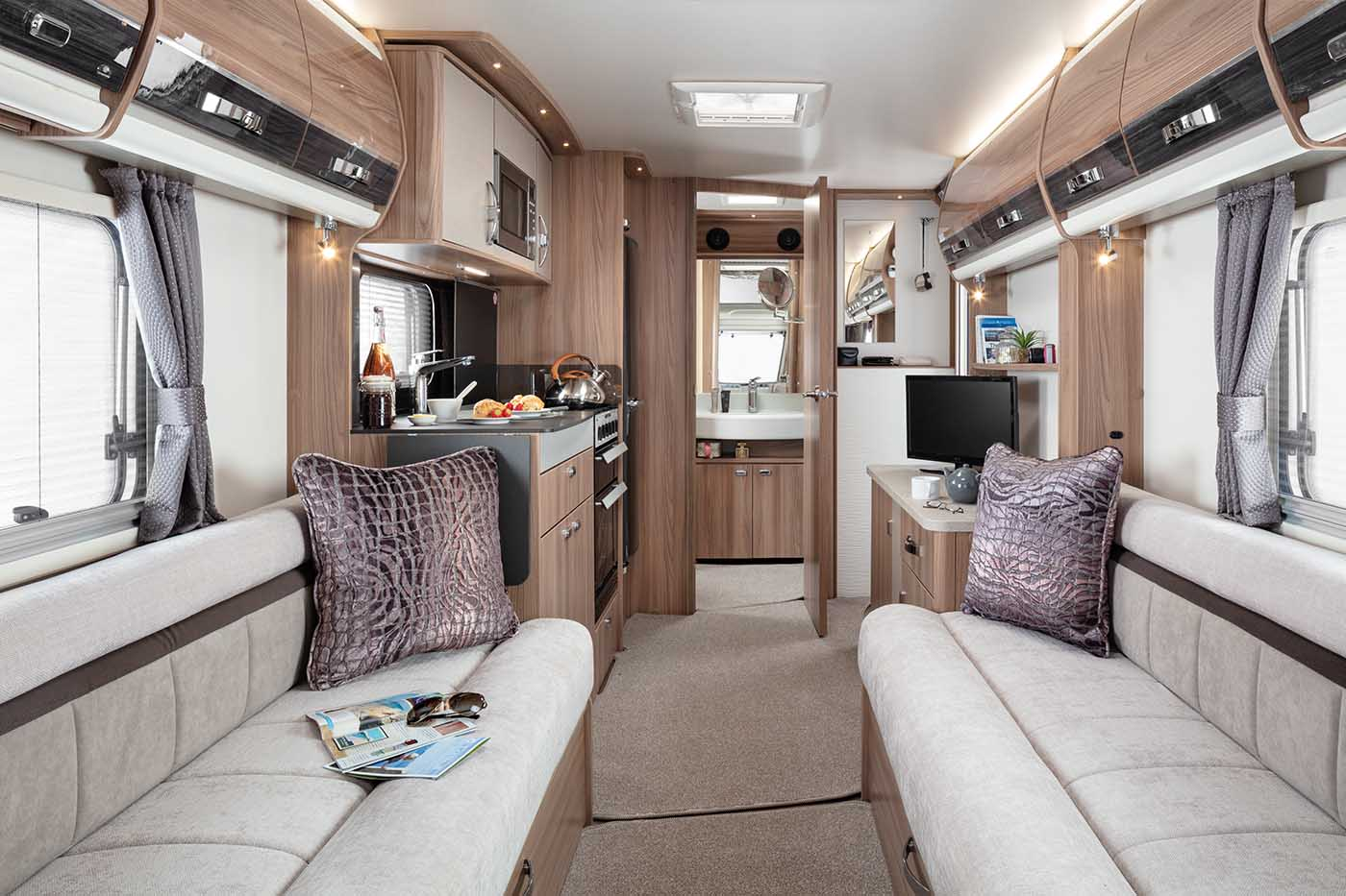 INT Elegance 480 Front to Rear SWIFT2