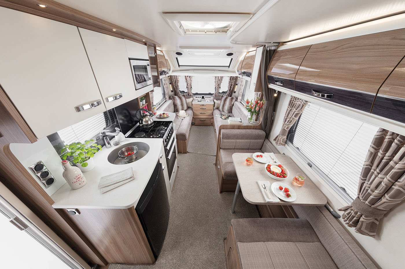 INT Elegance 530 Rear to Front SWIFT3