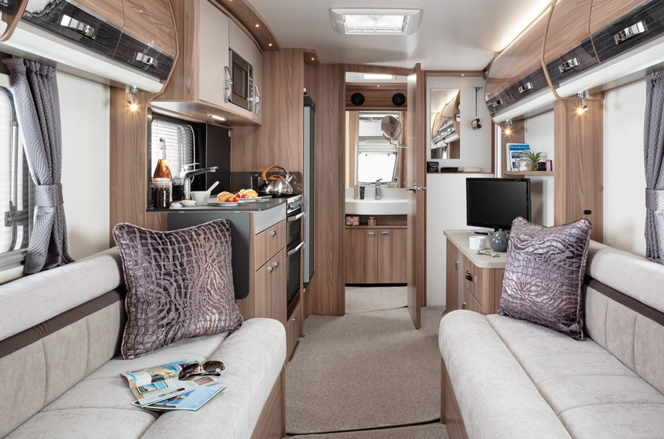 INT Elegance 480 Front to Rear SWIFT6