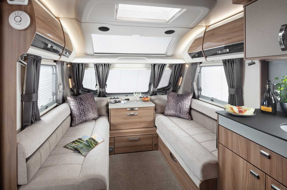 INT Elegance Grande 635 Front Lounge SWIFT2
