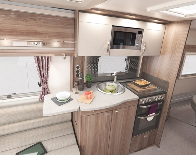 INT Challenger 645 Kitchen SWIFT8