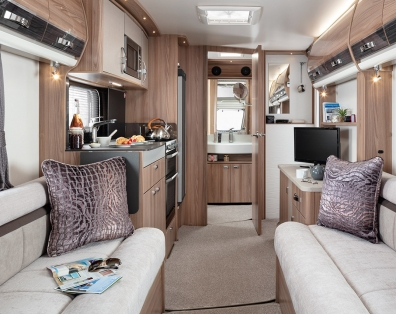 INT Elegance 480 Front to Rear SWIFT7