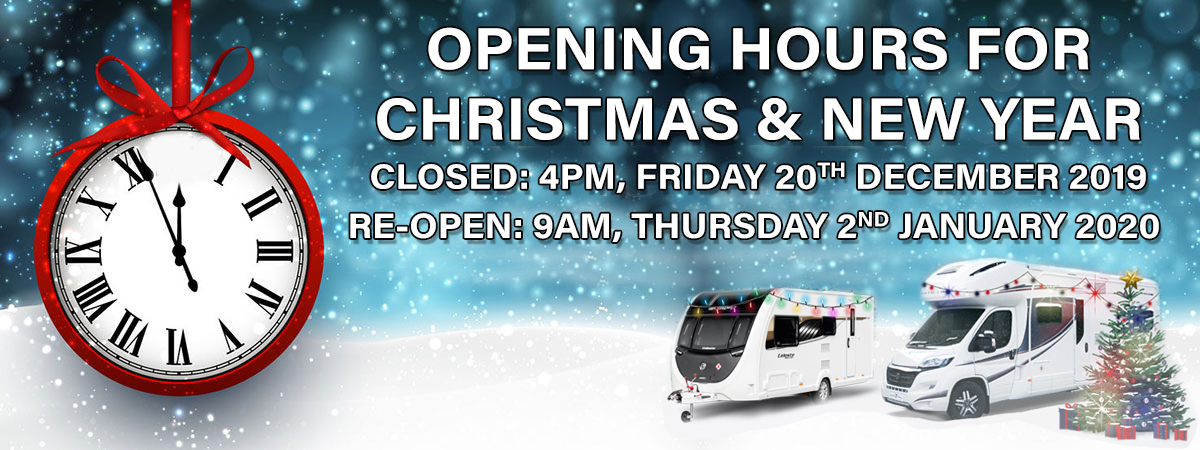 christmas opening hours banner
